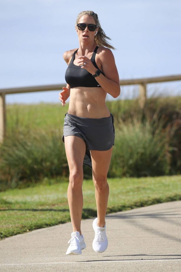 Candice Warner - Morning run in Sydney's Eastern Suburbs