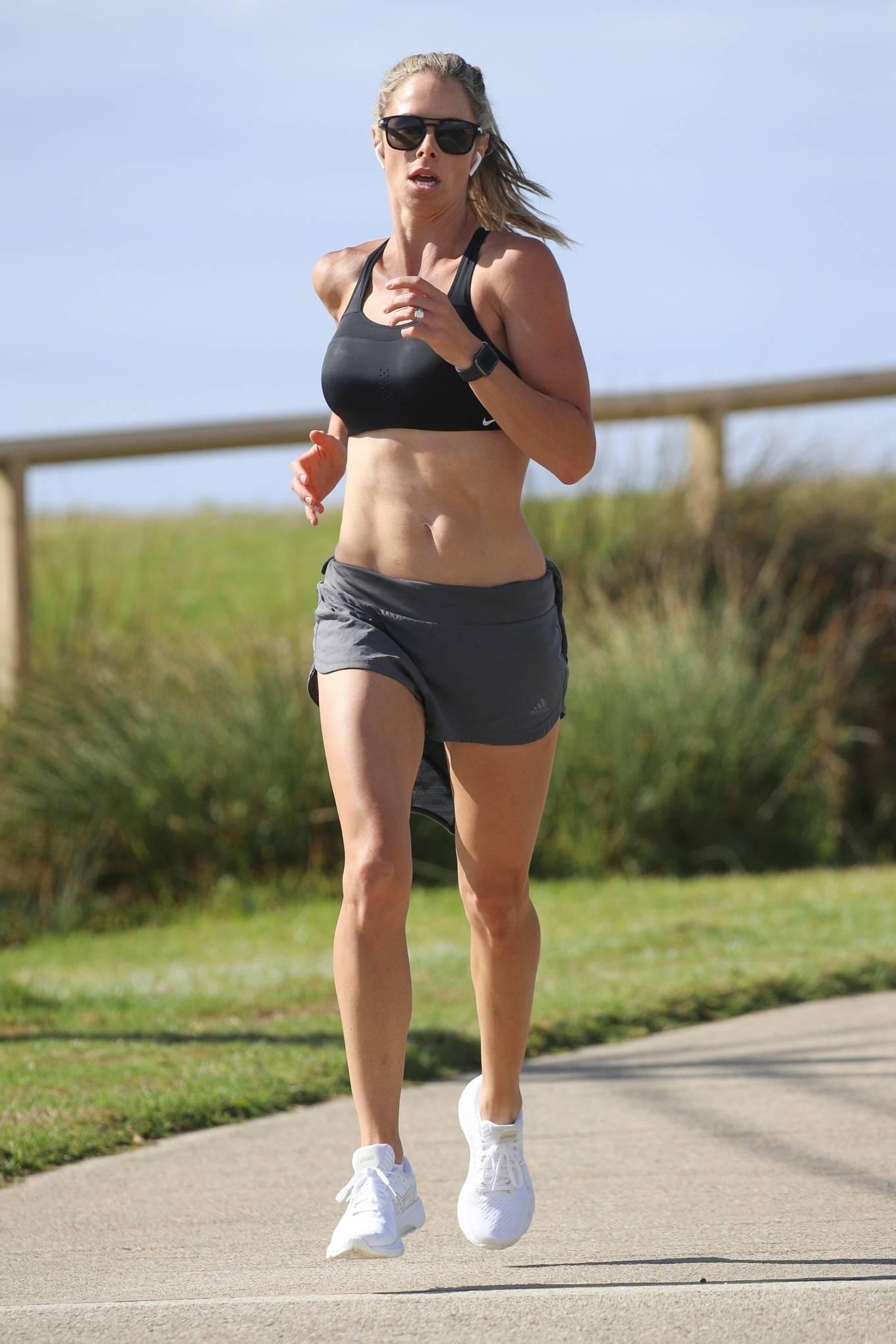 Candice Warner - Morning run in Sydney's Eastern Suburbs