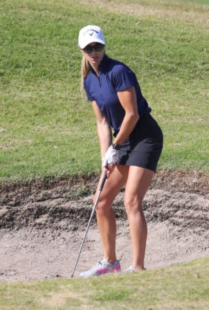 Candice Warner - Shows off her golf's skills in Sydney