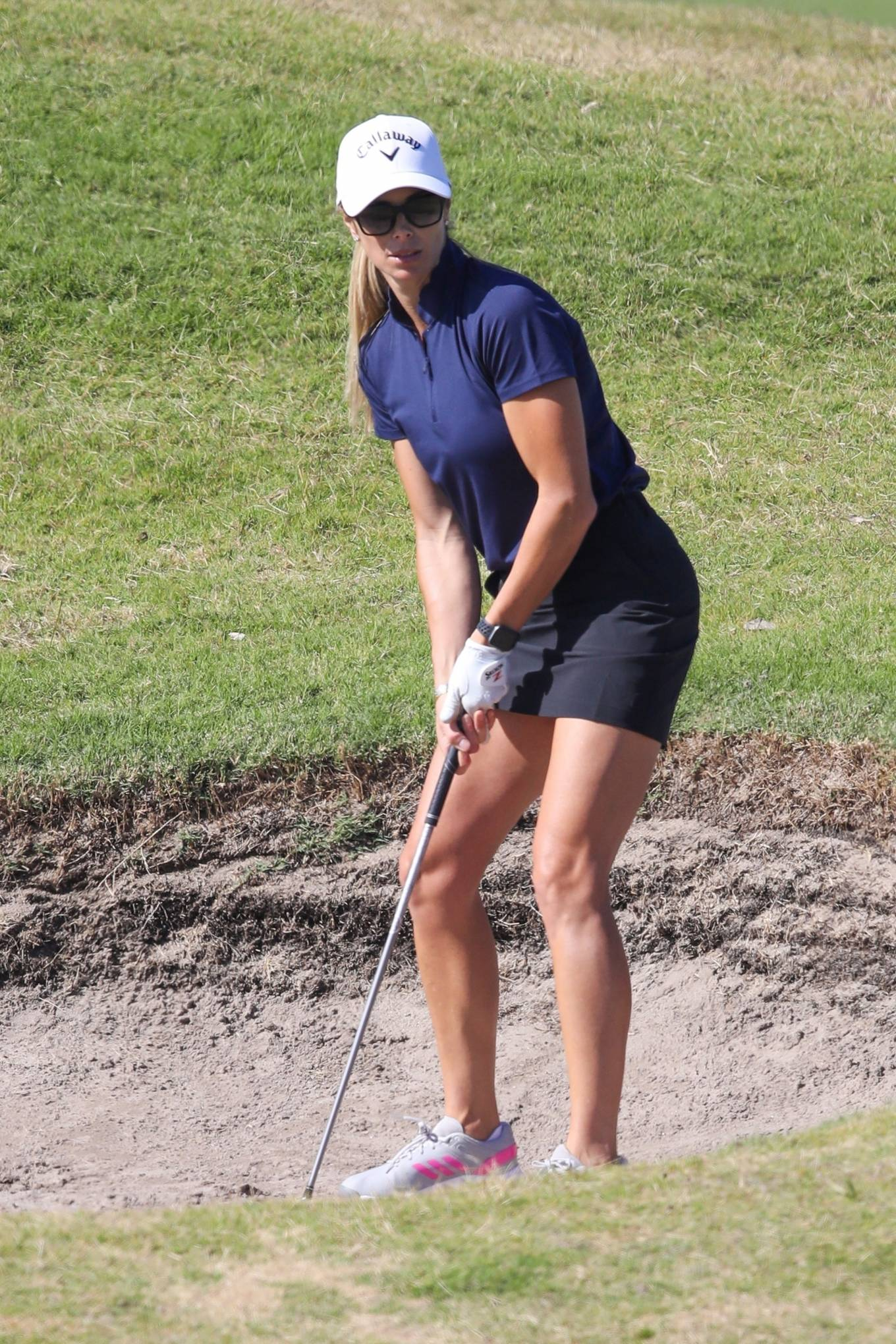 Candice Warner - Shows off her golf's skills in Sydney