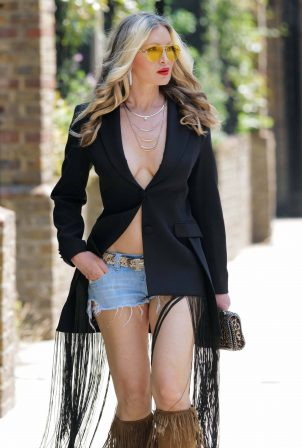 Caprice Bourret - Going to a meeting at Laylow in London
