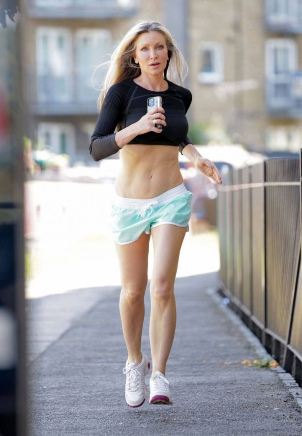 Caprice Bourret - Out for a morrning jog in London