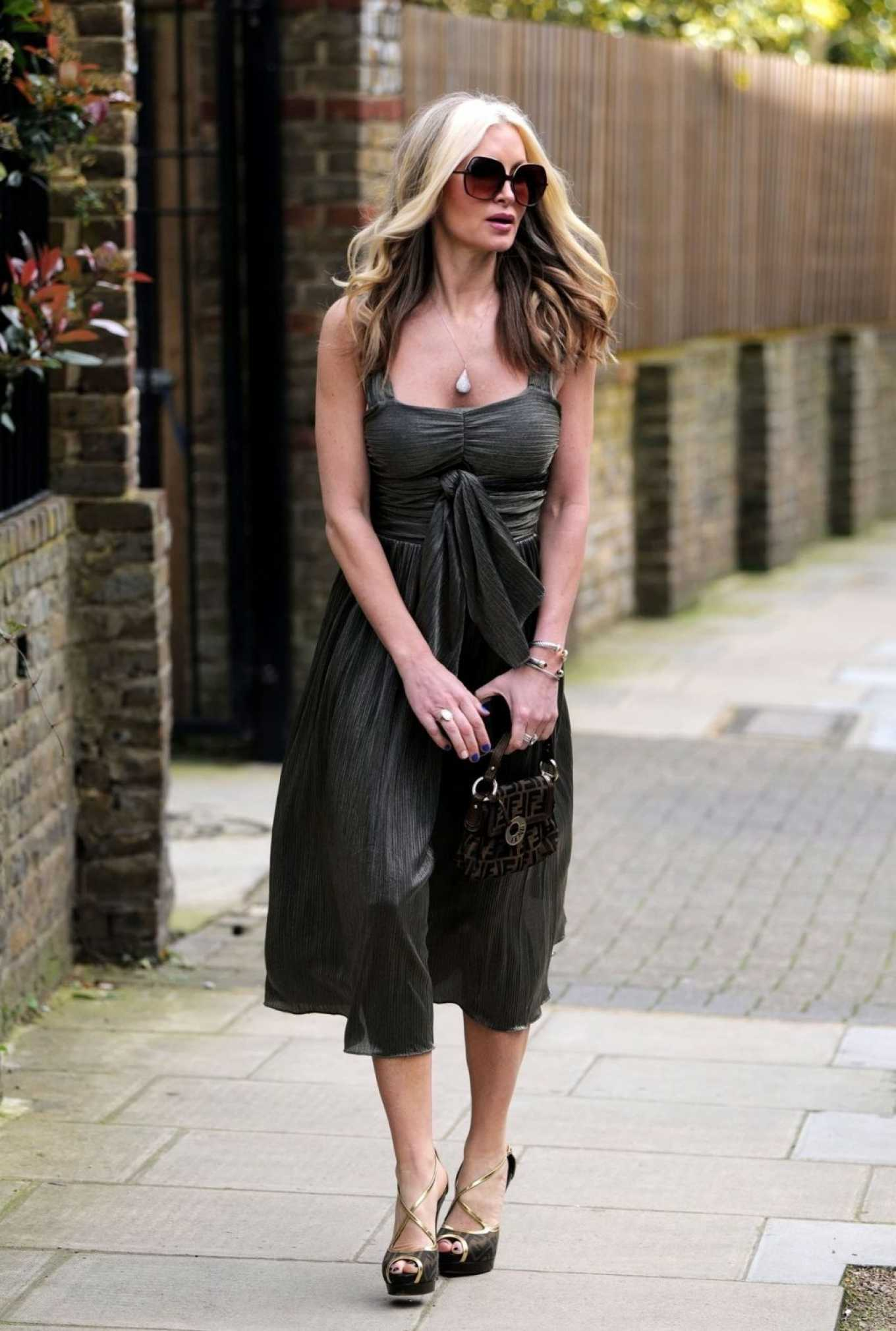 Caprice Bourret 2020 : Caprice Bourret – Out in London-02