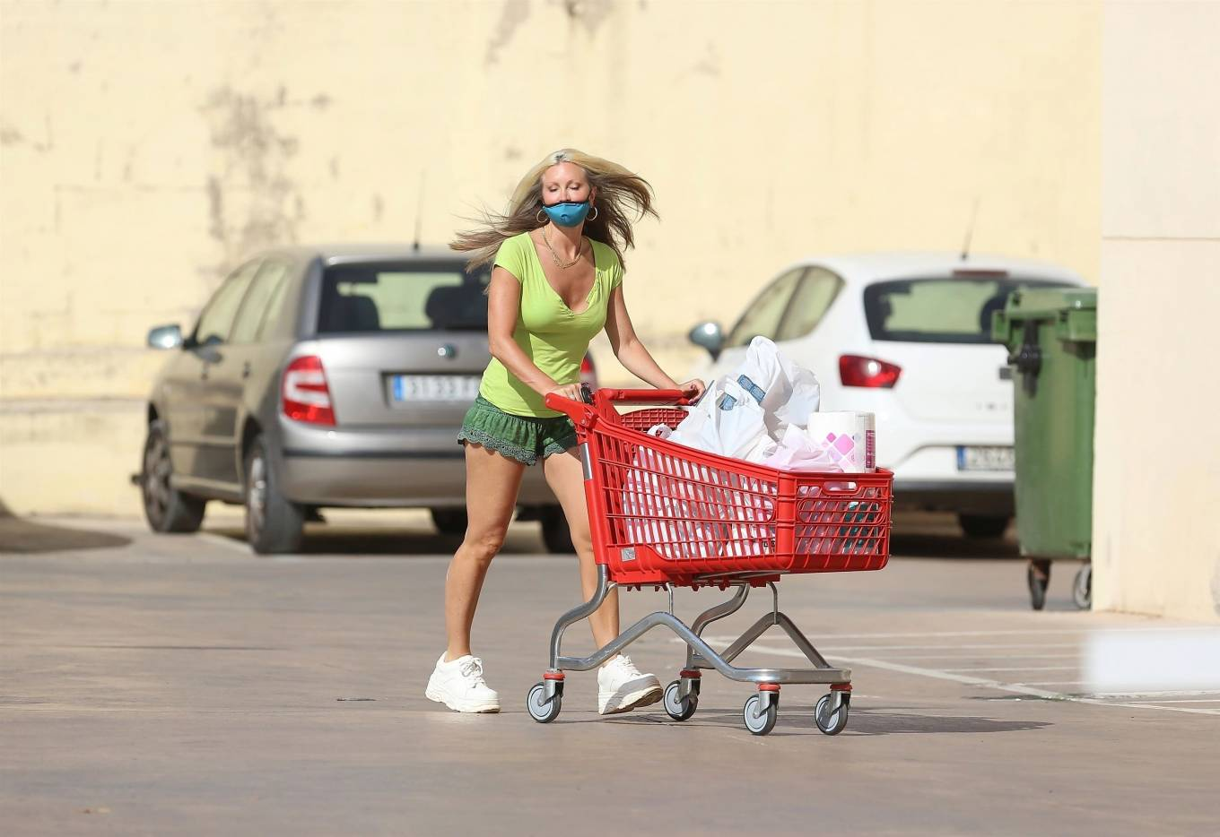 Caprice 2020 : Caprice – Seen at supermarket in Ibiza-11
