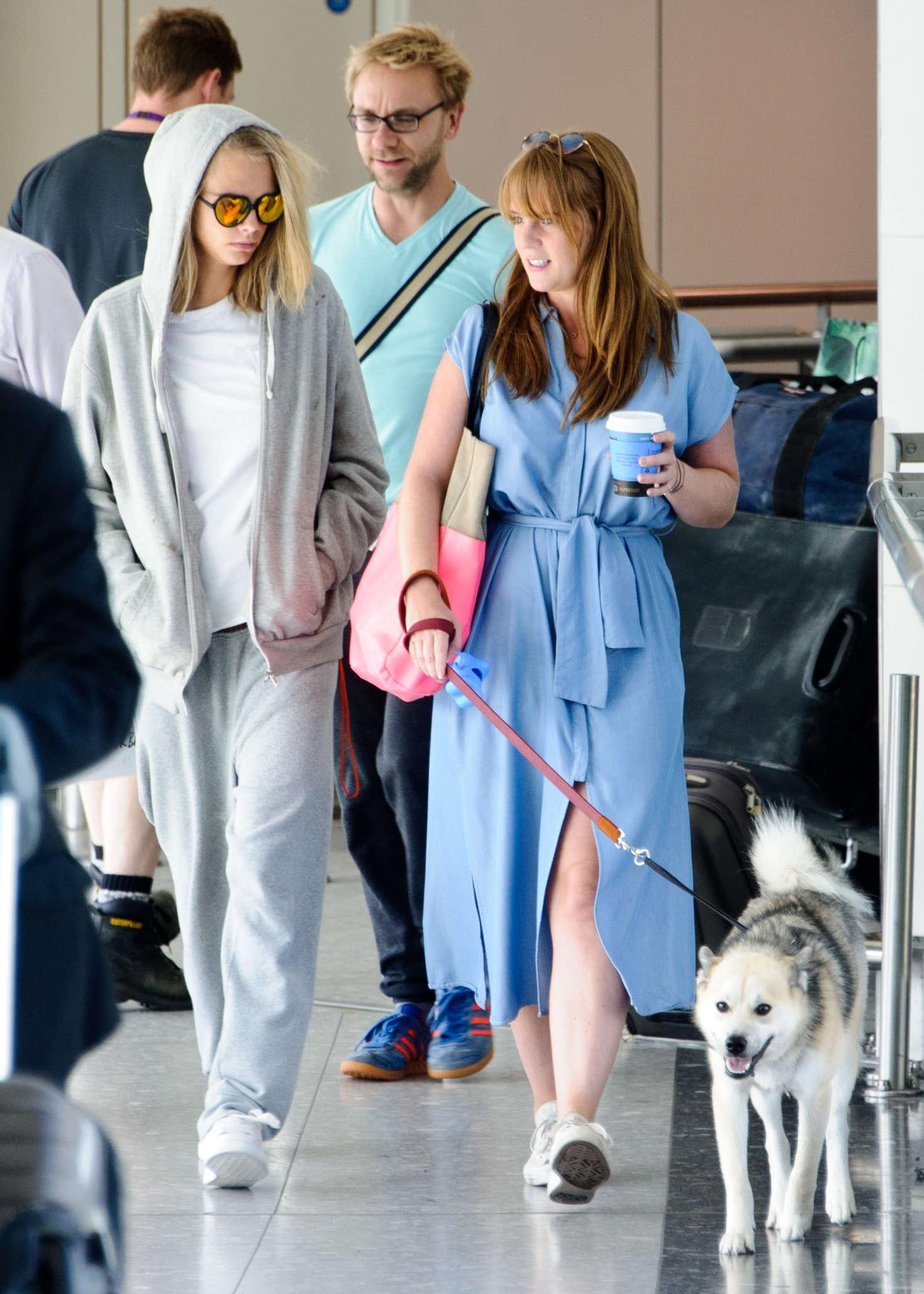 Cara Delevingne 2016 : Cara and Poppy Delevingne Arrive at Heathrow Airport -03