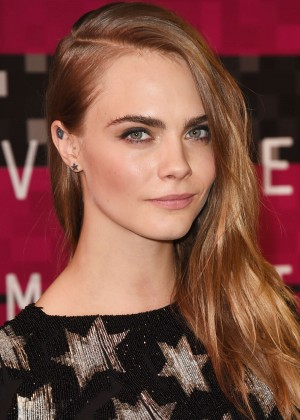 Cara Delevingne - 2015 MTV Video Music Awards in LA