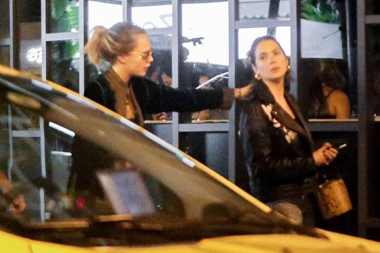 Cara Delevingne 2020 : Cara Delevingne and Ashley Benson – Have dinner at Sushi restaurant-08