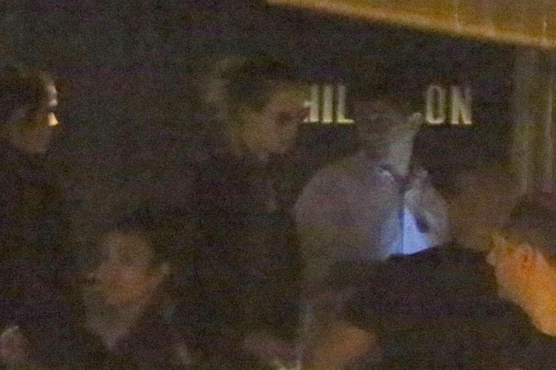 Cara Delevingne 2020 : Cara Delevingne and Ashley Benson – Have dinner at Sushi restaurant-19