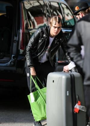 Cara Delevingne Arrives at her hotel in New York