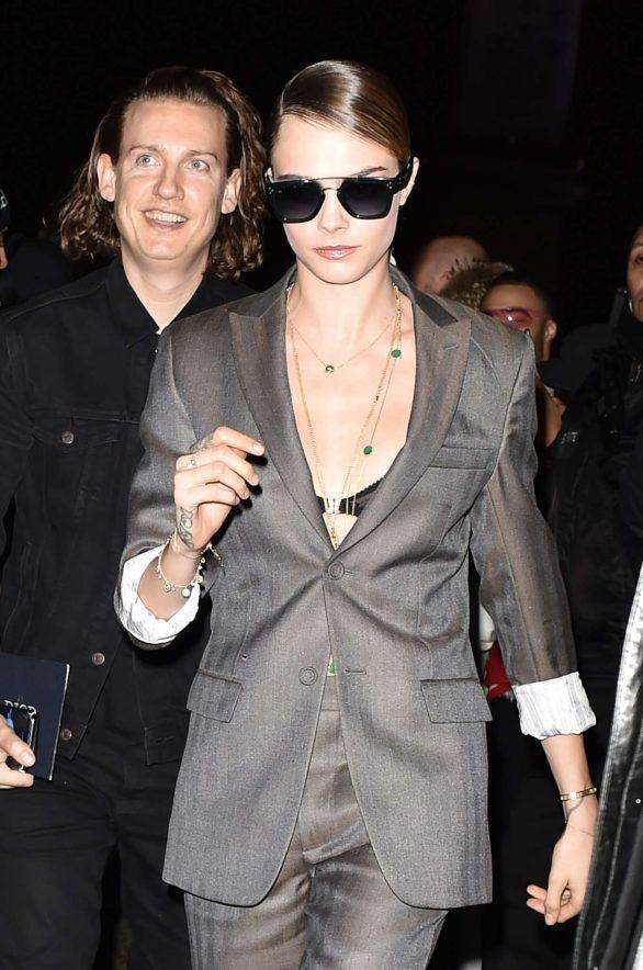 Cara Delevingne - Arrives at the Dior Mens Fashion Show in Paris