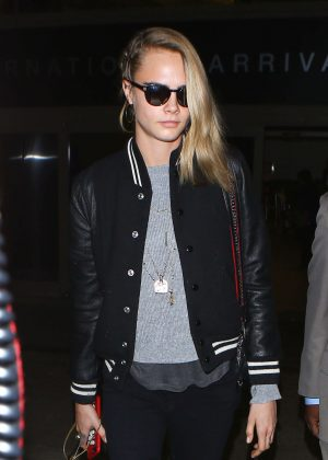 Cara Delevingne - Arriving at LAX airport in Los Angeles