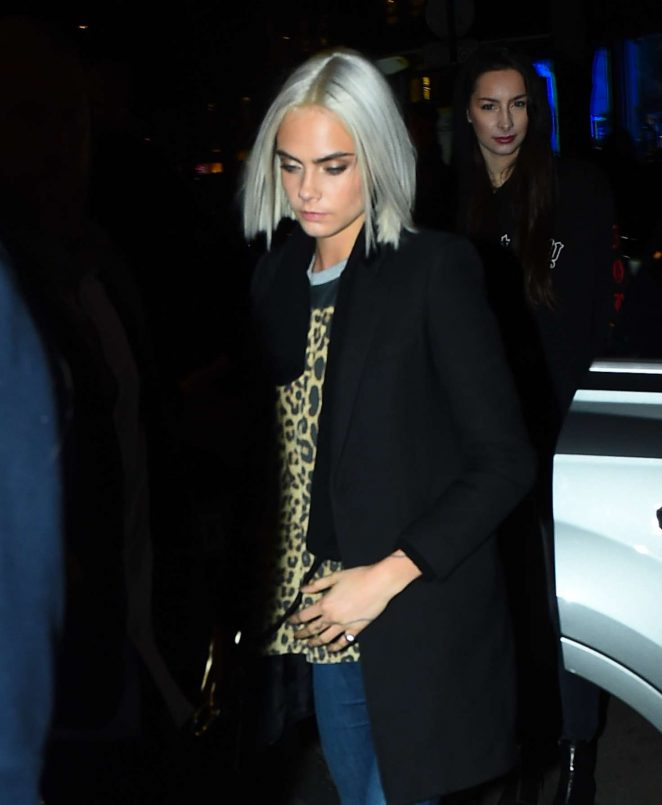 Cara Delevingne at the Four Seasons Hotel -01