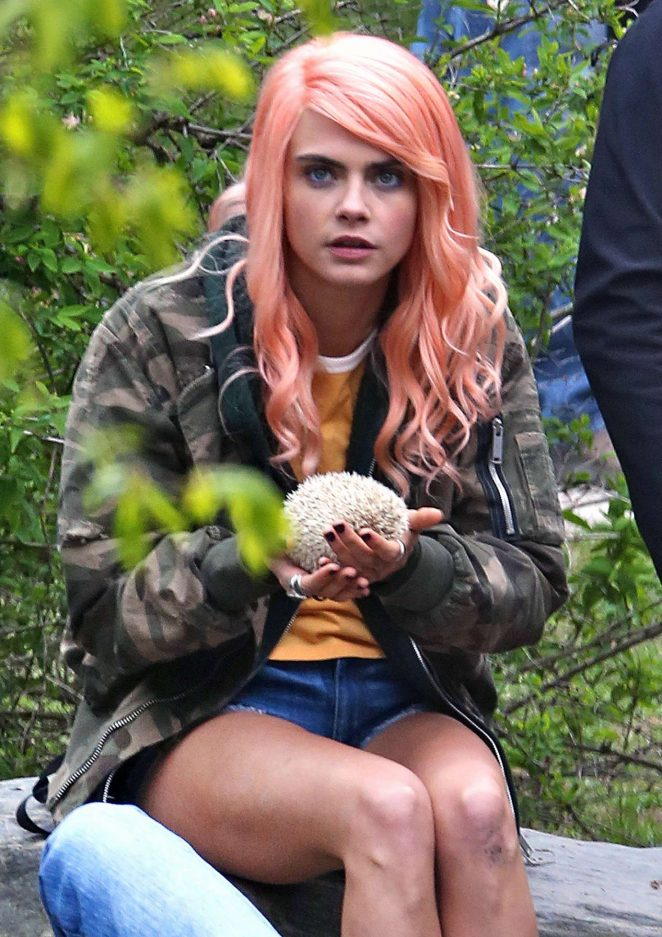Cara Delevingne - Filming 'Life in a Year' set in Toronto