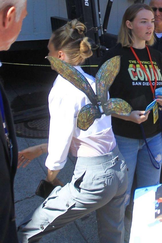 Cara Delevingne 2019 : Cara Delevingne – Greets Fans at Comic Con San Diego 2019-05