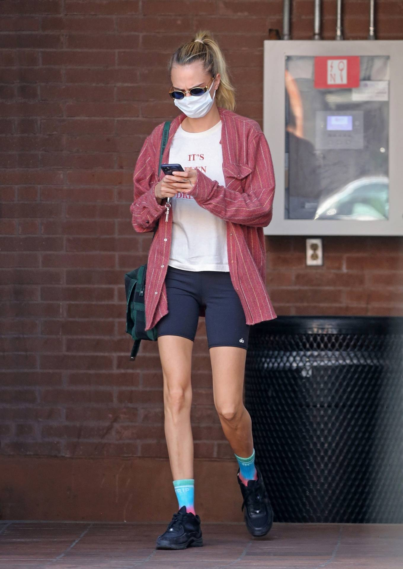 Cara Delevingne - heads to a medical building in Beverly Hills
