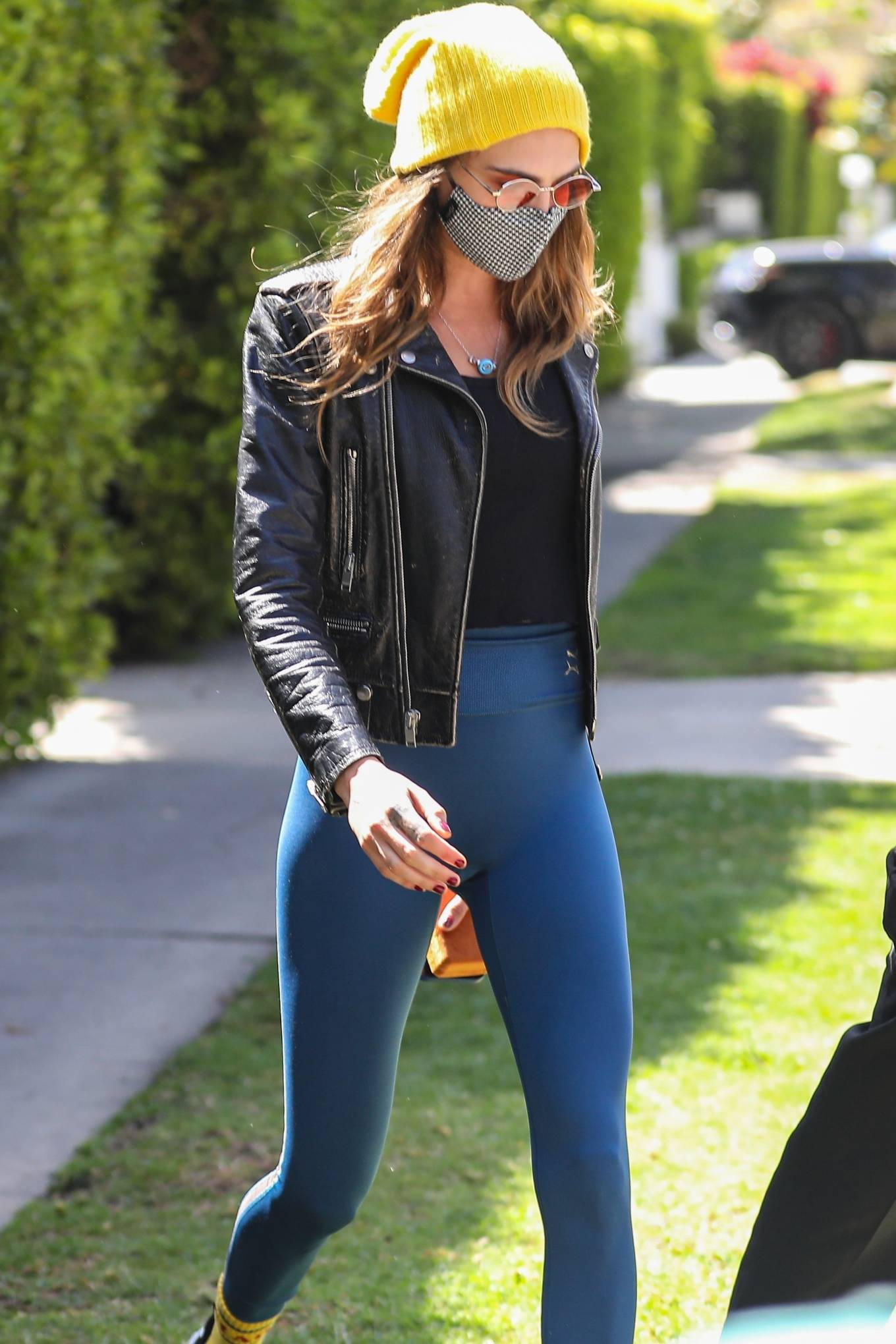 Cara Delevingne 2021 : Cara Delevingne – In a skinny jeans and leather jacket in West Hollywood-01