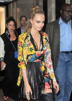 Cara Delevingne - Leaving her hotel in London