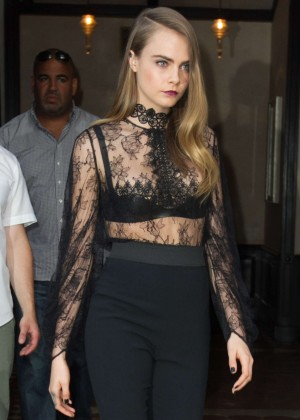 Cara Delevingne - Leaving her NY hotel