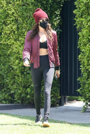 Cara Delevingne - Seen leaving a pilates class in Los Angeles