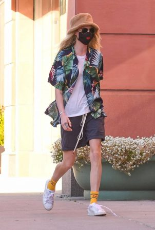 Cara Delevingne - Seen while out in Beverly Hills