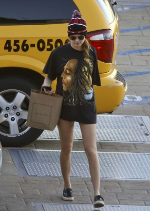 Cara Delevingne Street Style - Out in Malibu