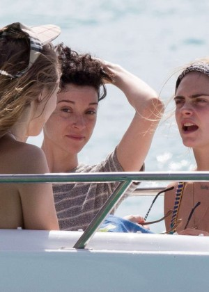 Cara Delevingne with Annie Clark and Suki Waterhouse: on the beach in Barbados-48