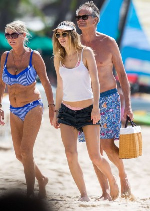 Cara Delevingne with Annie Clark and Suki Waterhouse: on the beach in Barbados-51