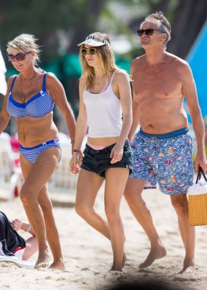 Cara Delevingne with Annie Clark and Suki Waterhouse: on the beach in Barbados-71