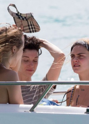 Cara Delevingne with Annie Clark and Suki Waterhouse: on the beach in Barbados-72
