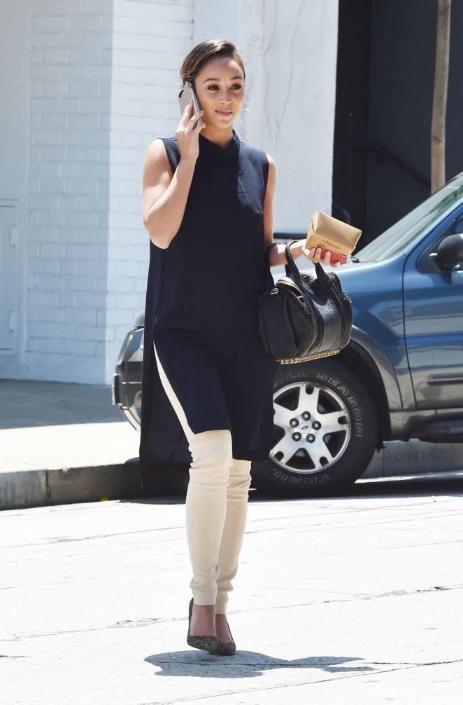 Cara Santana - Grabbing Lunch in West Hollywood
