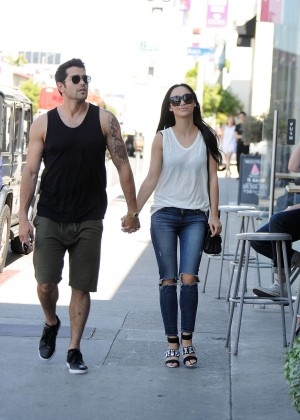 Cara Santana With her boyfriend Jesse Metcalfe Outi n LA