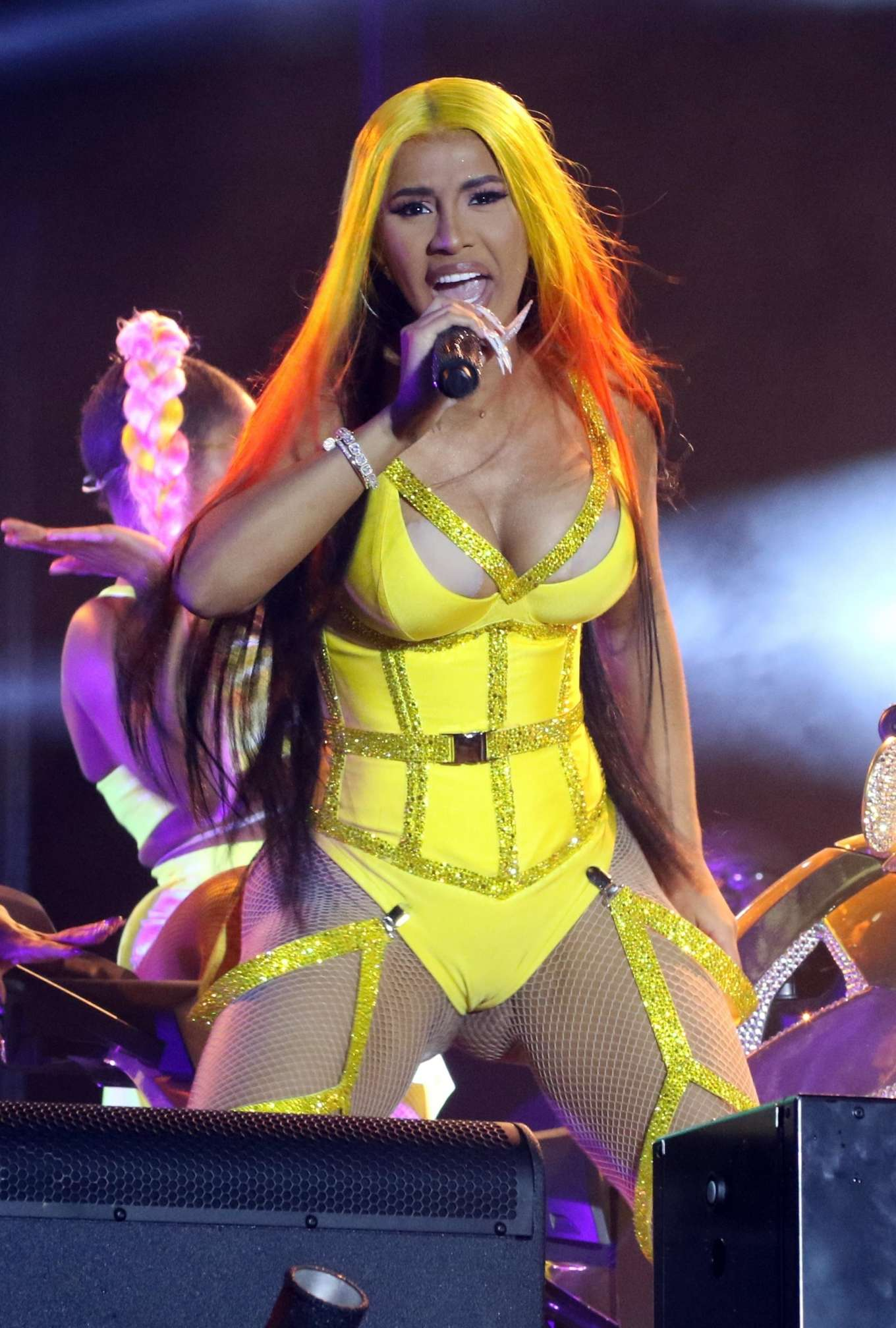 Cardi B 2020 : Cardi B – 2020 Viewtopia Music Festival in Miami-06