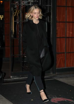 Carey Mulligan - Leaves her hotel in New York