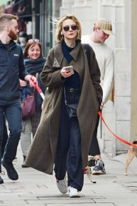 Carey Mulligan - Out in Notting Hill