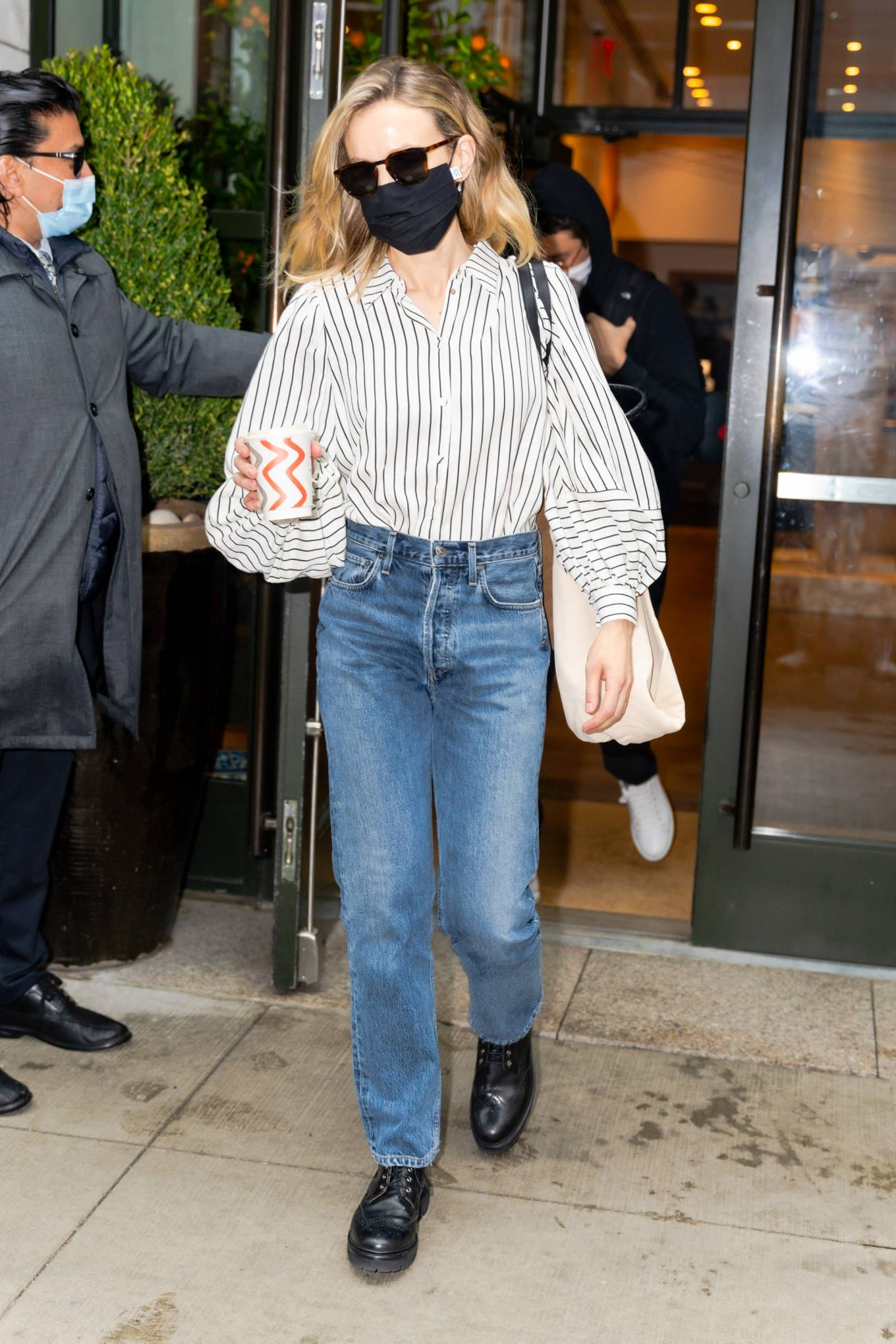 Carey Mulligan 2021 : Carey Mulligan – Seen after she hosted Saturday Night Live in New York-02