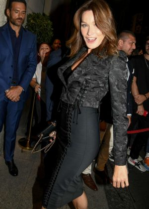 Carla Bruni - Arrives at the birthday party of Domenico Dolce Nella in Milan