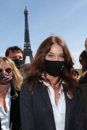 Carla Bruni - Attends the demonstration in support of the family of Sarah Halimi in Paris