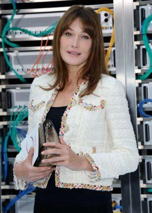 Carla Bruni - Chanel Show Spring Summer 2017 in Paris
