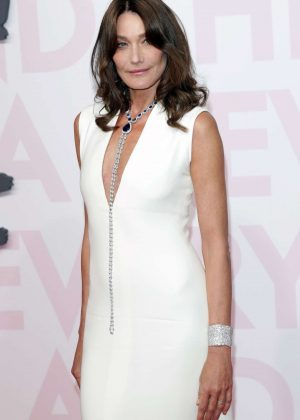 Carla Bruni - Fashion for Relief Show 2018 in Cannes