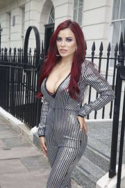 Carla Howe in Jumpsuit - Out and about in London