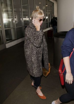 Carly Rae Jepsen - Arriving at LAX Airport in Los Angeles