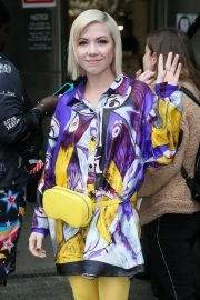 Carly Rae Jepsen - Leaving BBC Radio Studios in London