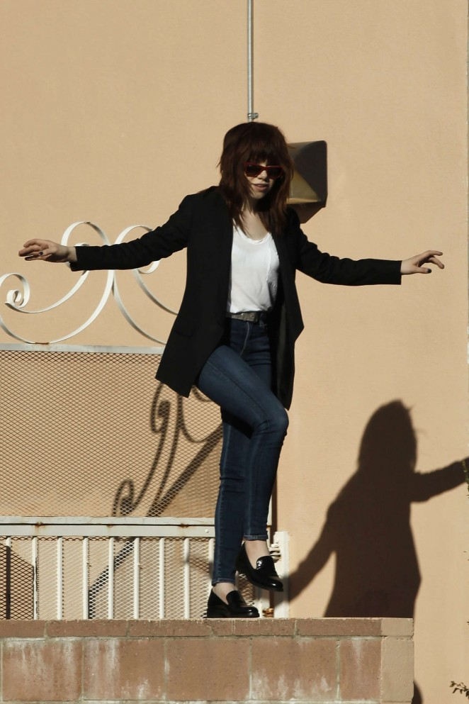 Carly Rae Jepsen in Tight jeans -01