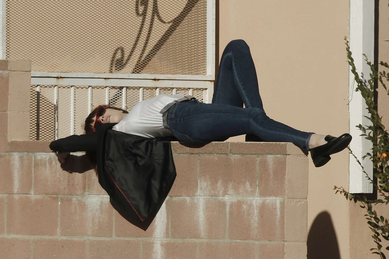 Carly Rae Jepsen 2015 : Carly Rae Jepsen in Tight jeans -03
