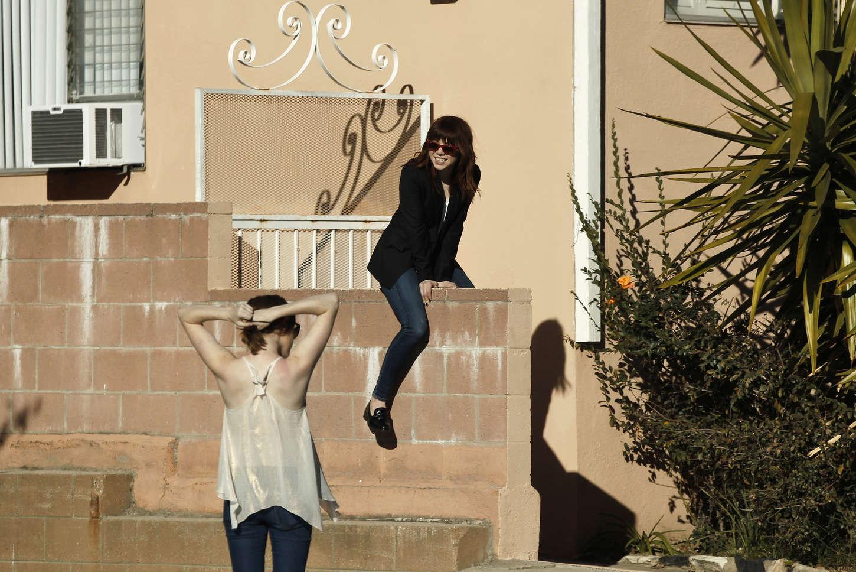 Carly Rae Jepsen 2015 : Carly Rae Jepsen in Tight jeans -04