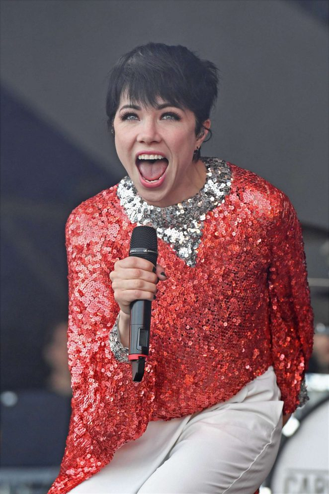 Carly Rae Jepsen - Performs at The 2016 Brighton Pride Festival in West Sussex