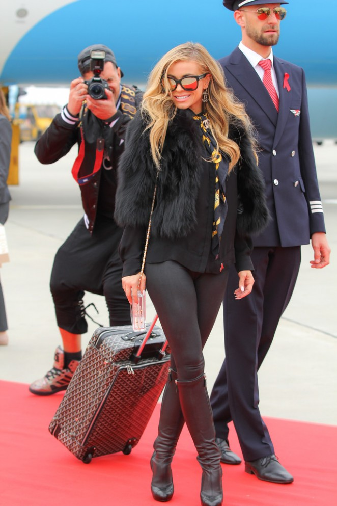 Carmen Electra in Tights Arriving in Vienna