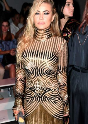 Carmen Electra - Naeem Khan Fashion Show in New York
