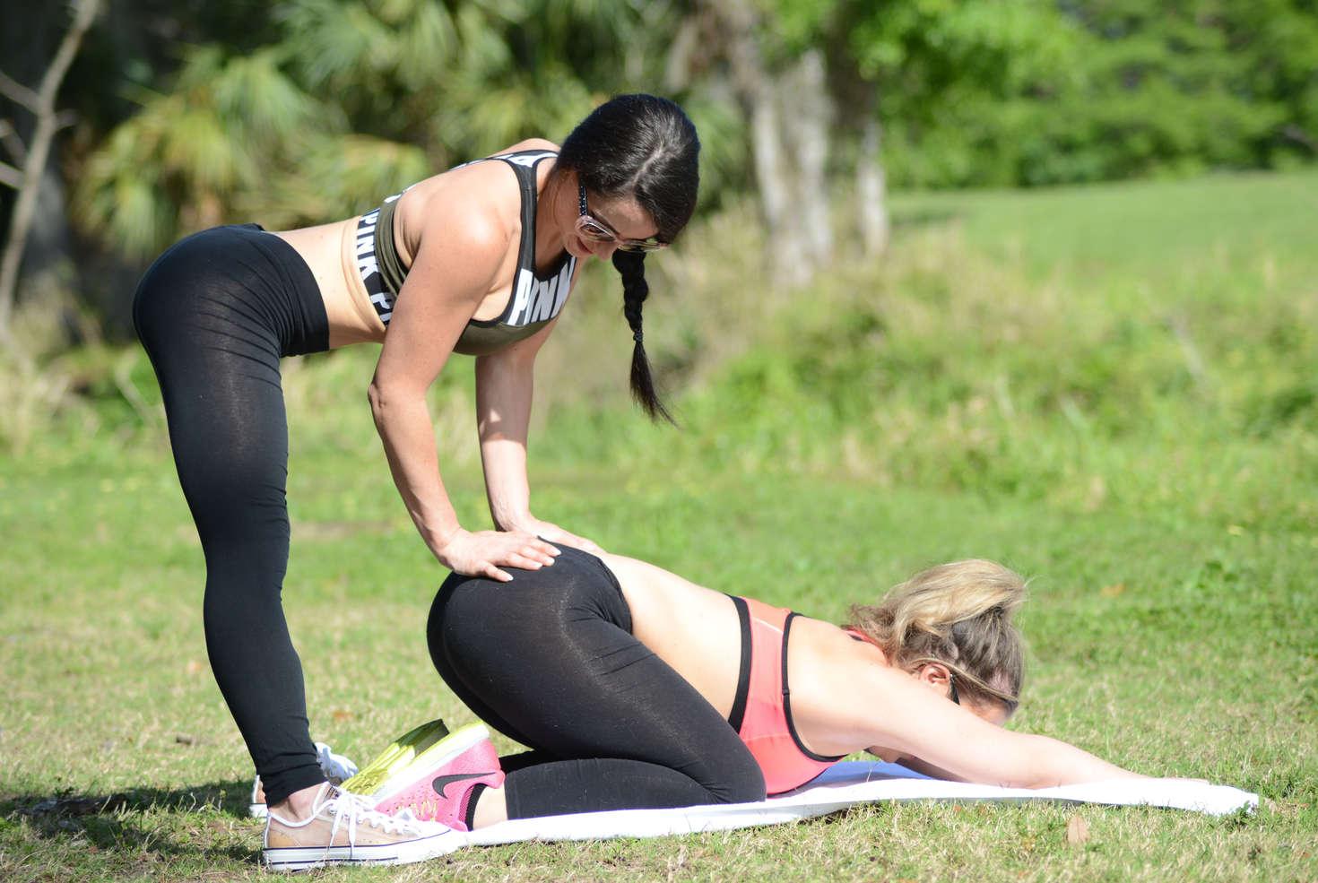 Carmen valentina and cleo doing yoga at a park 06 gotceleb for Cleo miami