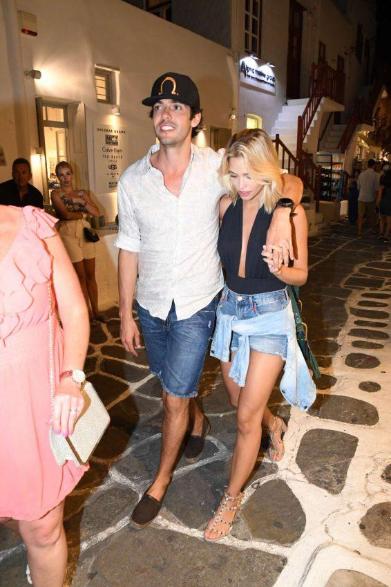 Carolina Dias and Ricardo Kaka - Night out in Mykonos